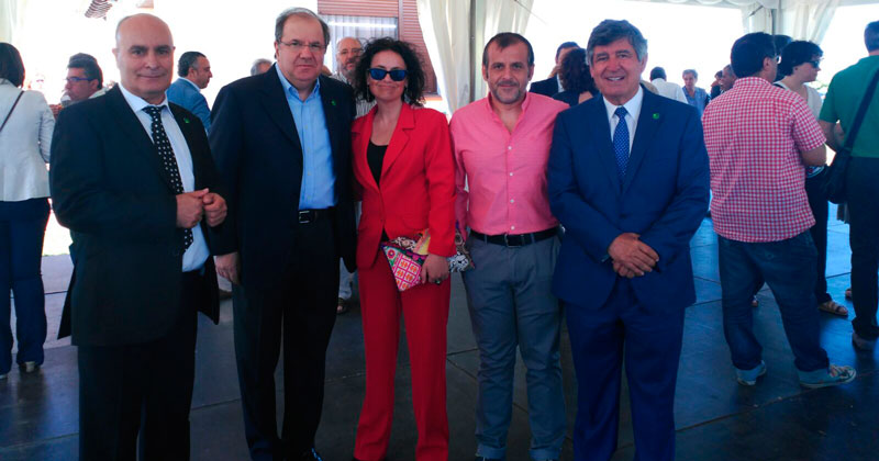 Juan vicente Herrera, presidente CyL, junto a miembros de TAB y el alcalde de Béjar Alejo Riñones
