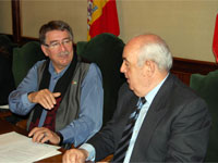 Cipriano González y Manuel Bruno, firma de Convenio con Caritas Béjar