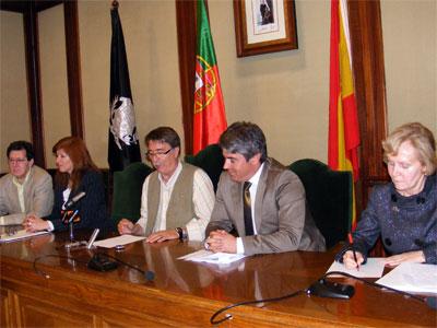 Firma del acuerdo entre Béjar y Mangualde