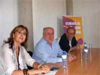 Mª Rosa Hernández junto al director de cine Jaime de Armiñan y Juan Antonio Pérez Millán