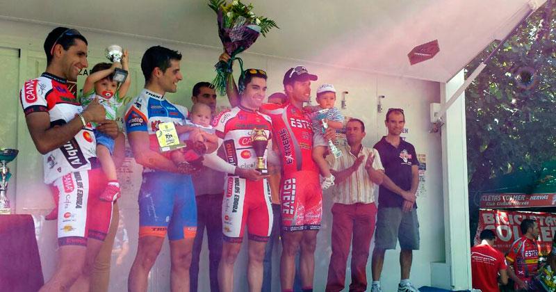 podium, con alberto bejarano
