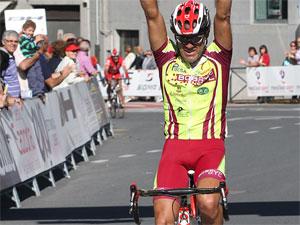 Lopez Doriga entrando en meta, Béjar