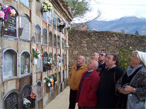 Ofrenda Floral ante la tumba de Nicomedes Martín Mateos