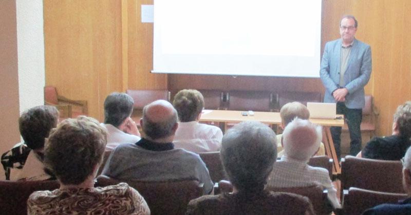 Ramon Hernandez Garrido, Universidad de la Experiencia charla en centro de dia