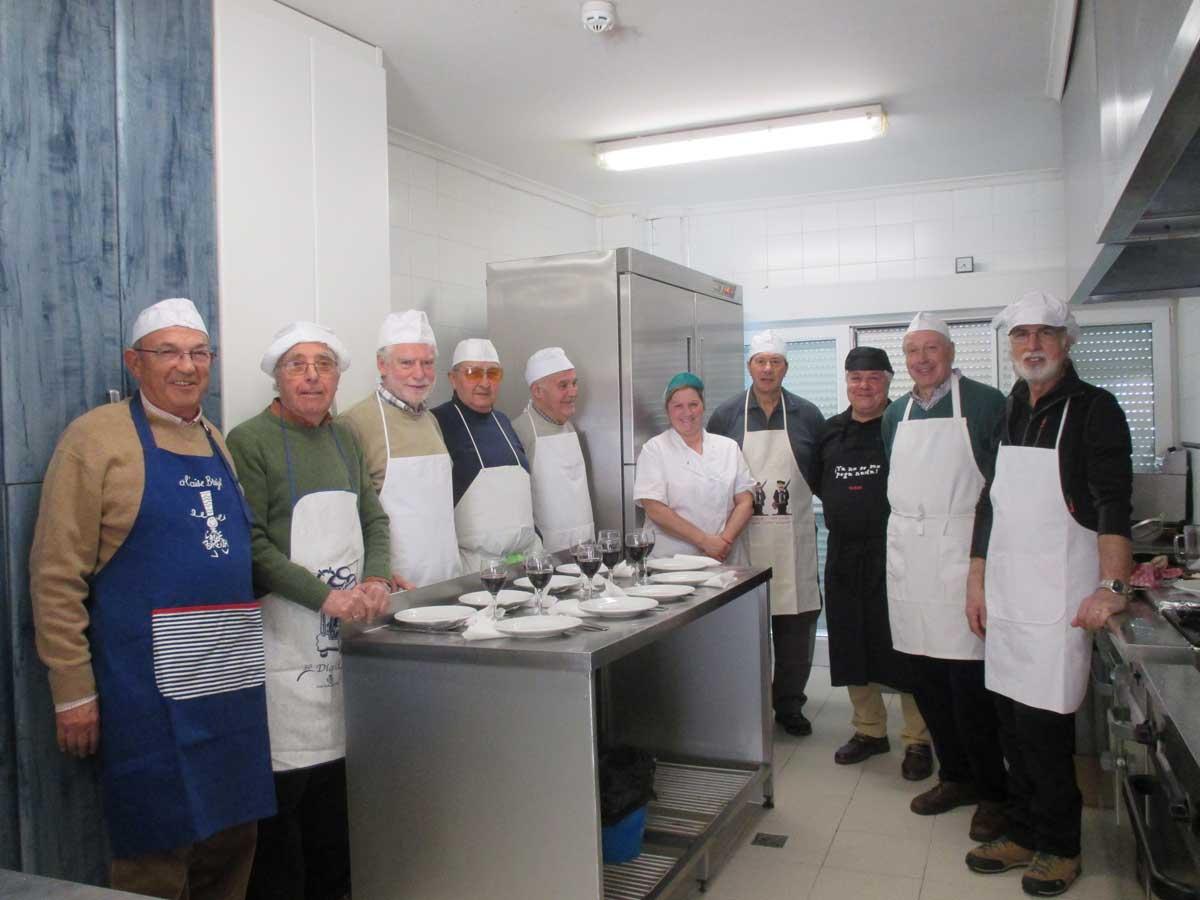Nueva edicin del curso de cocina para hombres del Centro de Da de