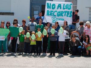 Manifestación contra los recortes de educación en Cantagallo