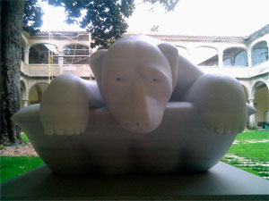 Escultura de la Bienal de Mateo Hernández