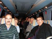Cipriano González y Juan Tomas Sánchez en el bus fletado a Fitur 2010