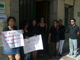 Funcionarios de la Diputación de Salamanca en Béjar durante la concentración