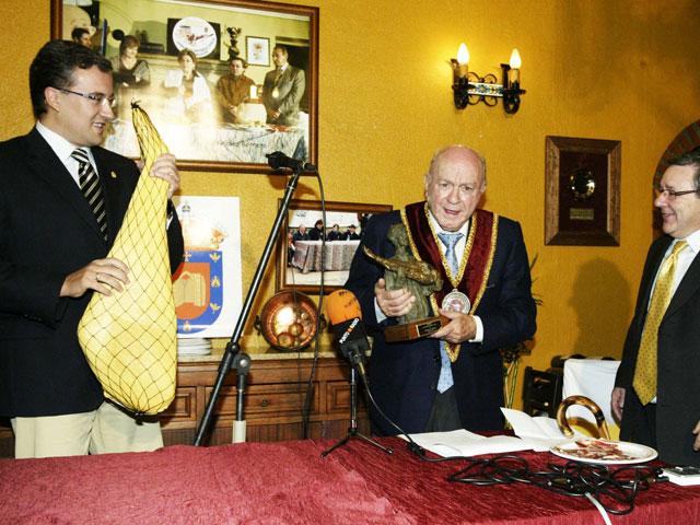 Alfredo Di Stefano recoge Guijuelo de Oro