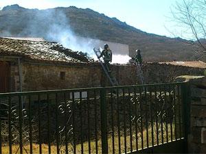 Incendio de Vivienda en Fresnedoso