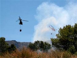 Helicopteros sofocando incendio en Palomares de Béjar.</body></html>