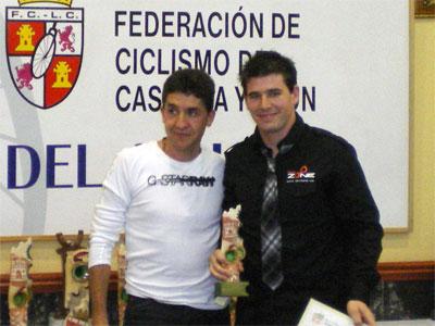 Iván Izquierdo junto a Carlos Sastre