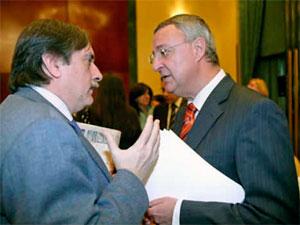 Jesus Caldera junto al exministro Valeriano Gomez