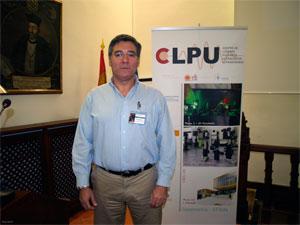 Luis Bañares, investigador del Centro de Láseres Ultrarrápidos de la Universidad Complutense de Madrid. Foto: DiCYT