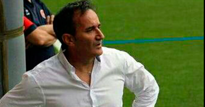 Manolo Gallego en uno de los partidos del Béjar Industrial