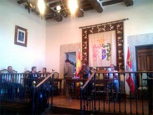 Pleno municipal de Candelario (Archivo)
