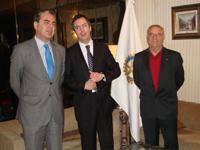 Enriqeu Sánchez-Guijo, Jaime Maciá (presidente Rotary Club de Béjar) y Álvaro Muñoz (Rotario)