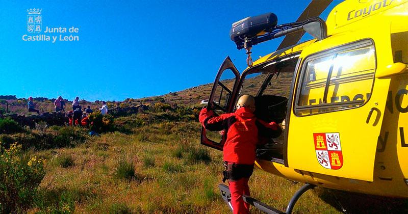 imagen de archivo helicoptero servicios de emergencia