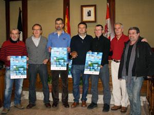 representantes de los clubes organizadores y el conejal de deportes