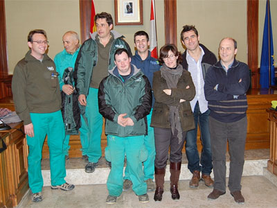 Miembros de Salarca junto a la concejal de Medio Ambiente de Béjar