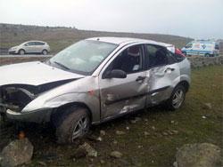 Vehiculo accidentado en Santibañez de Béjar