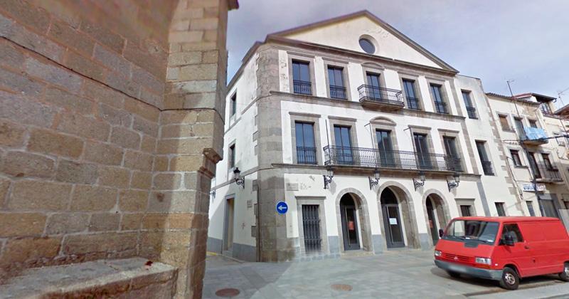 Fachada del teatro Cervantes de Bejar