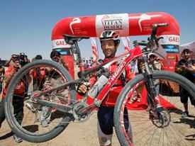 Roberto Heras tras conseguir su cuarto título en la Titan Desert