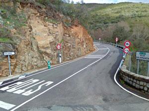 Carretera a Valero (CV-77), Cruce SA-220