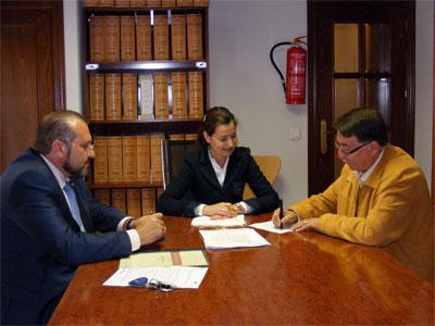 Firma cesión del Vivero de empresas a la Camara de Béjar