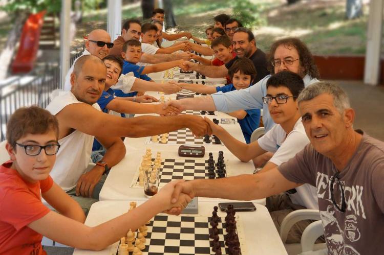 Participantes en el torneo de El Castañar de ajedrez