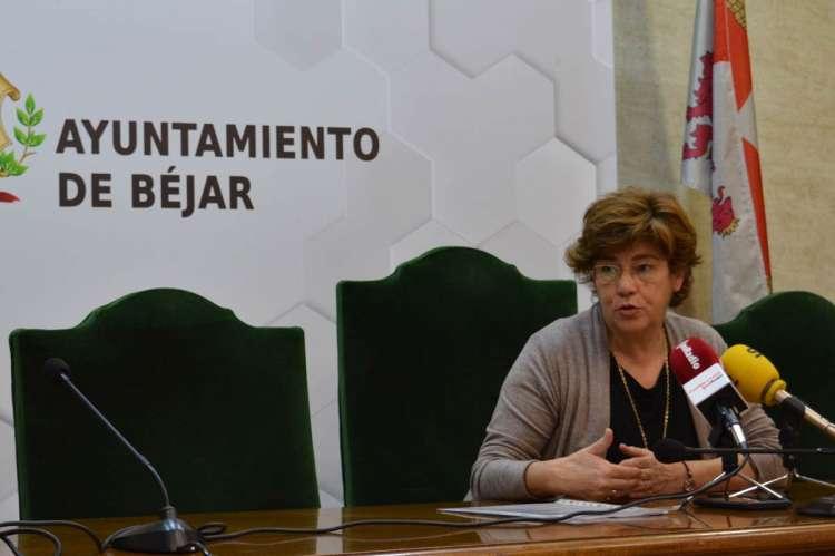 Alcaldesa durante la rueda de prensa