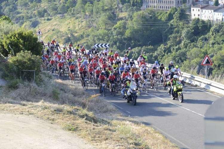 Primeros kilómetros de la salida de l aprueba Bdelalsa de 2019