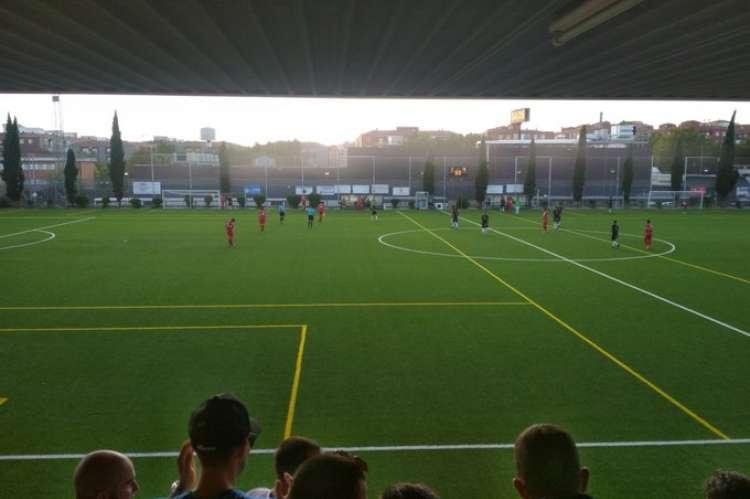 Vista del terreno de juego durante el partido disputado entre Béjar Industrial y Navega