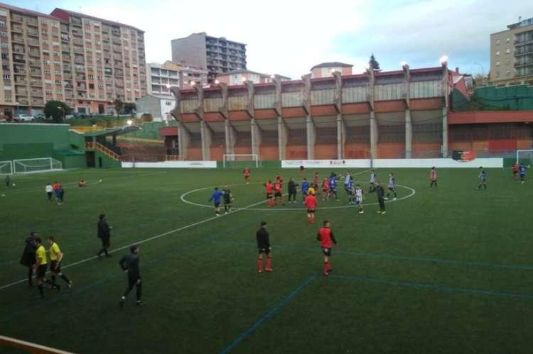 Un momento del encuentro entre el Béjar Industrial y la Ponferradina B. IMagen del Twitter del Club