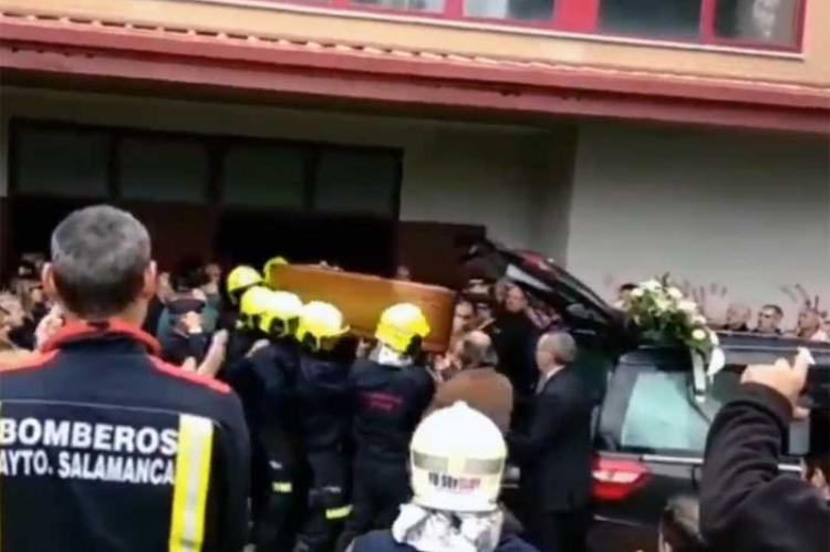 Imagen del funeral del bombero fallecido en Béjar