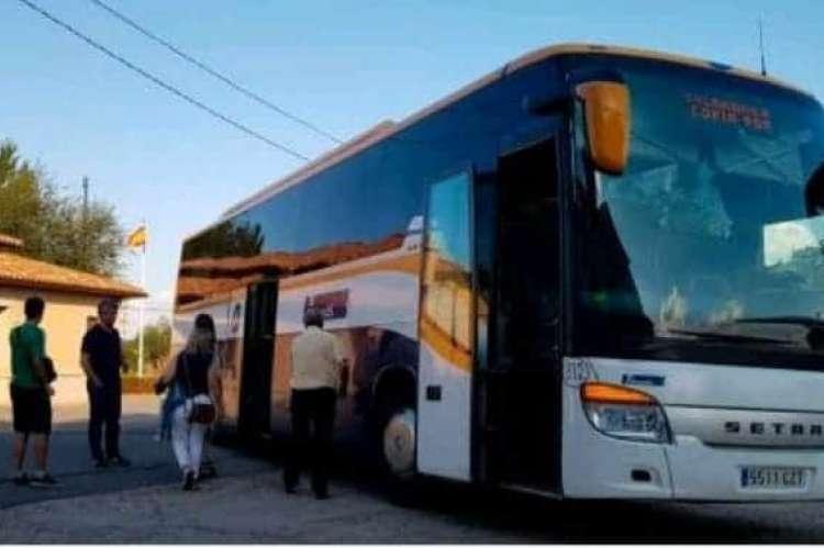Imagen del servicio de bus . Facebook Ayuntamiento de Cepeda