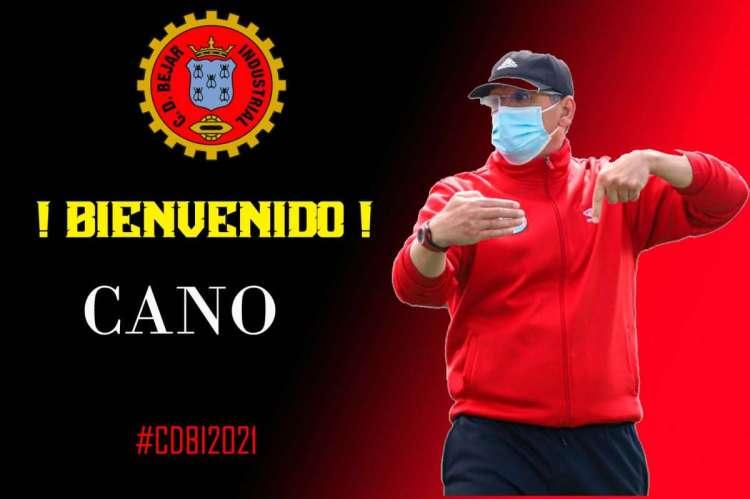 Cartel de bienvenida a Cano al Béjar Industrial difundido por el club
