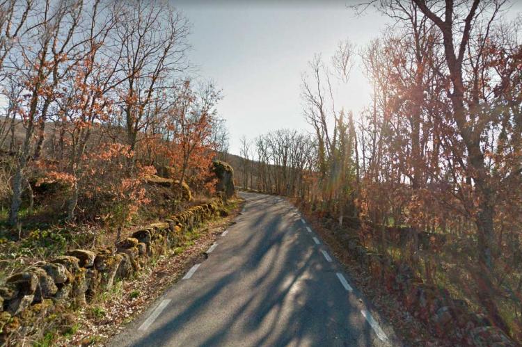 Carretera que une las localidades de El Cerro y Peñacaballera