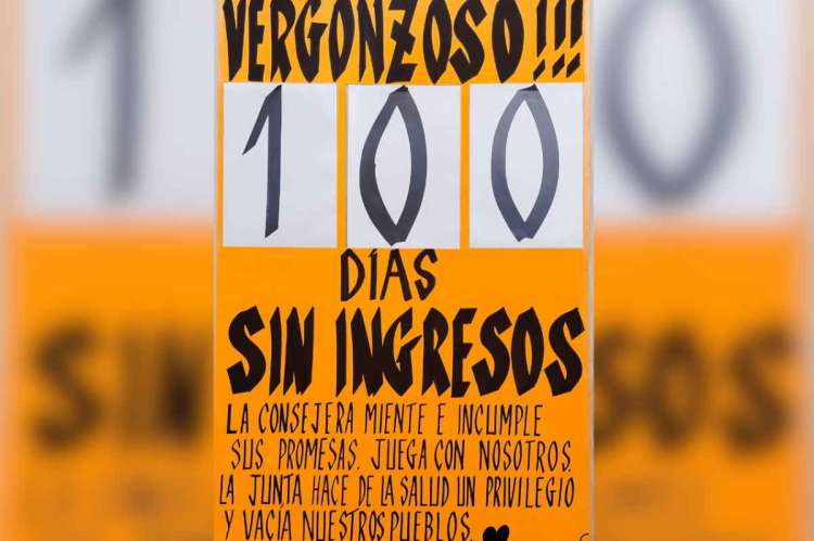 Cartel con texto: Vergonzoso!!! 10 días sin ingresos