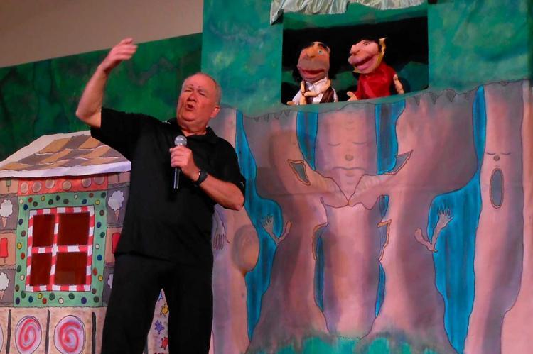 Representación de marionetas en Teatro León Felipe de Sequeros