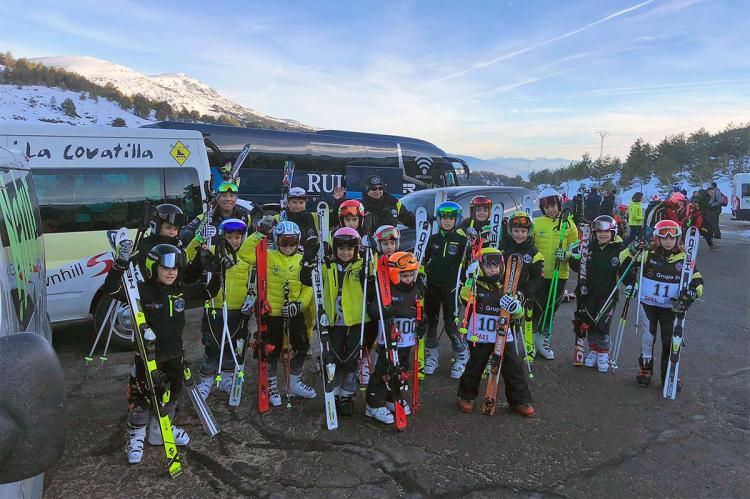 Alevines del Club de Esquí La Covatilla