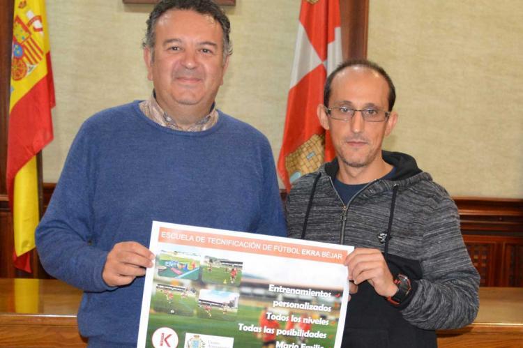 Concejal de Deportes, Raúl Hernández y Miguel Gelabert, de Ekra