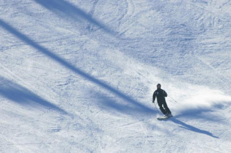 Esquiador en La Covatilla