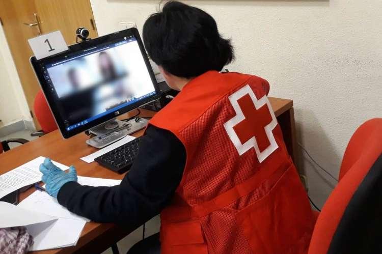 Voluntario de Cruz Roja durante una de las llamadas