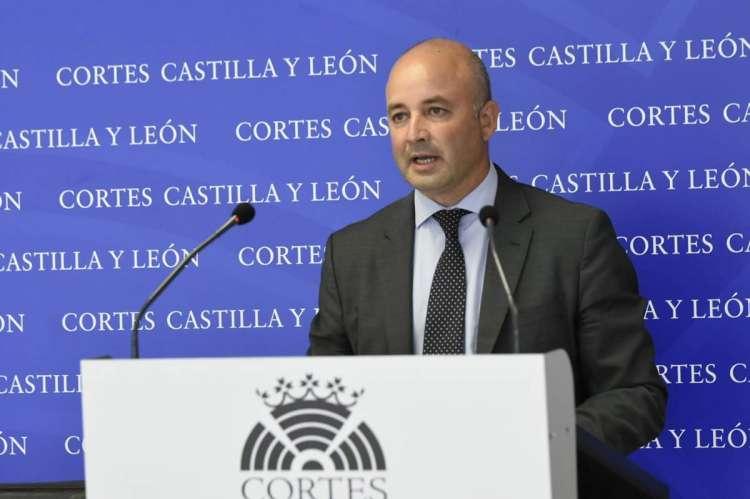 David Castaño en una rueda de prensa