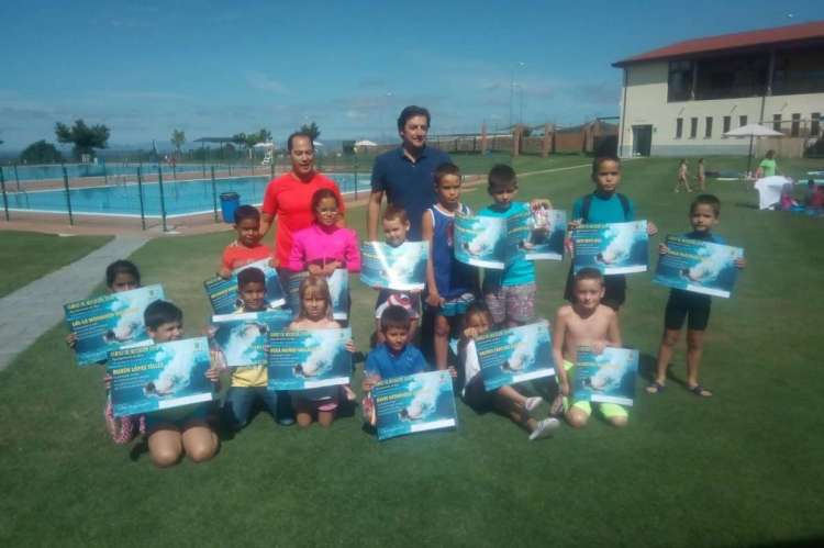 Entrega de diplomas del curso de natación