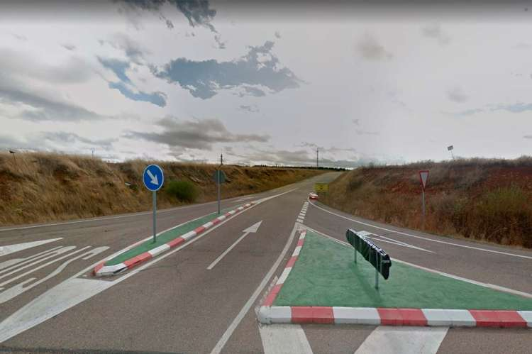 DSA-303 carretera de acceso al Hospital Los Montalvos desde la N-620