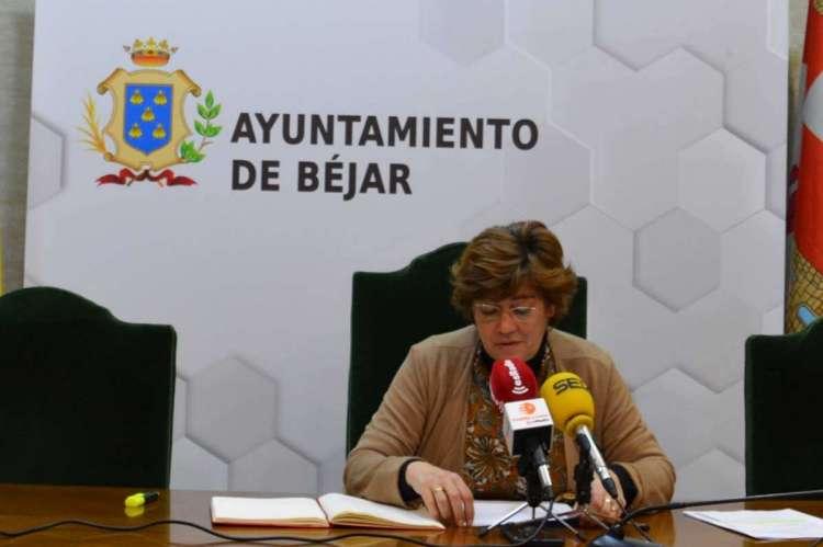 Elena Martín Vázquez en el salón de plenos del Ayuntamiento de Béjar