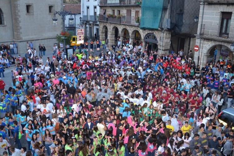 Peñas de Carnaval en la Plaza Mayor